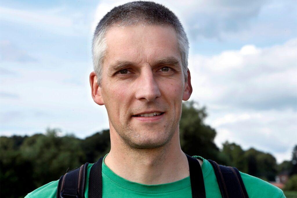 Landschaftsökologe Niels Ribbrock.