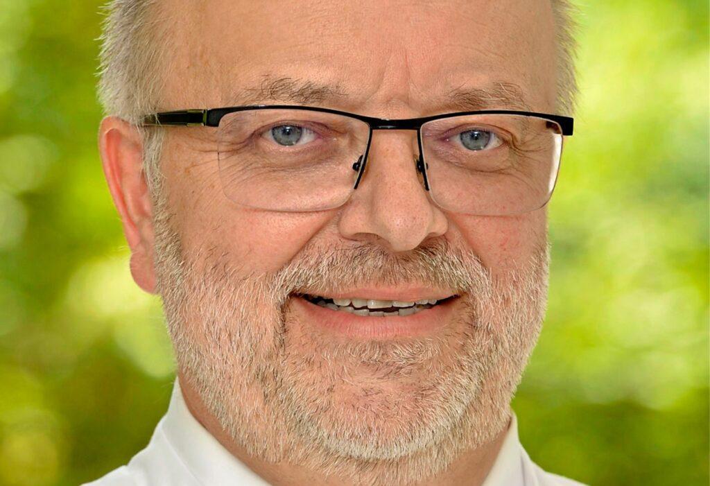Dr. Berthold Rawert ist leitender Arzt der Inneren Abteilung im Gertrudis-Hospital in Westerholt.